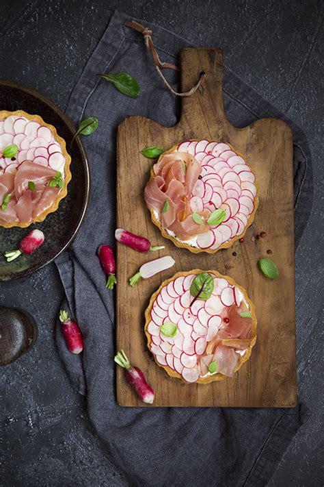 cuisine aoste tarte aux radis et jambon cru aoste a vos assiettes