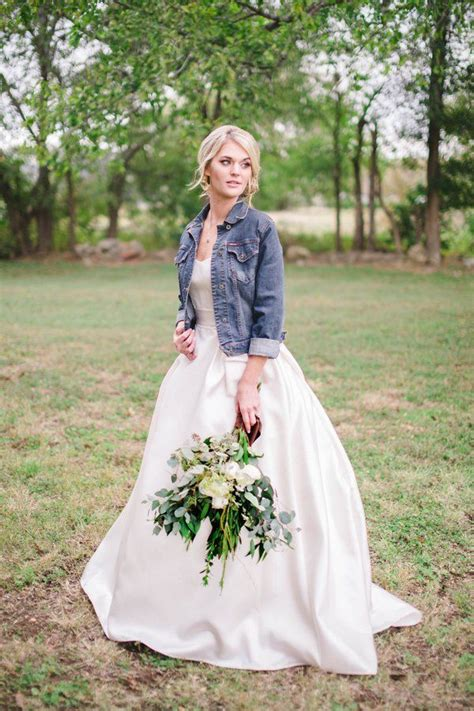 rustic country wedding dress ideas deer pearl flowers