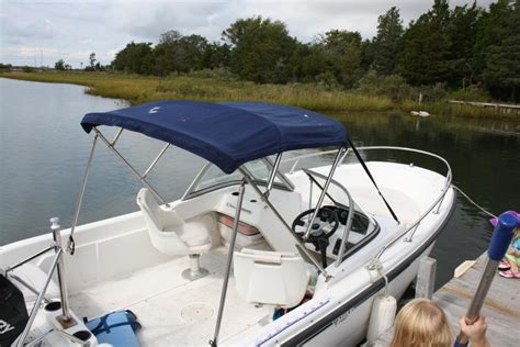 Whaler Boats Ma by Rent A Boston Whaler Dauntless 16 Motorboat In Barnstable