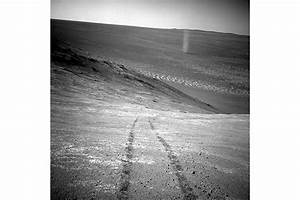 NASA's Opportunity rover captures image of Martian dust ...