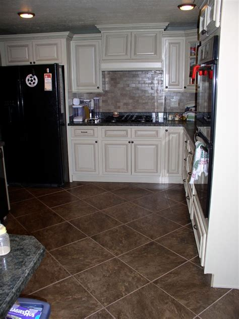 lights the kitchen cabinets new collection arlington white cabinets design ideas 9030