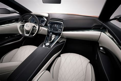 nissan cars news sport sedan concept unveiled