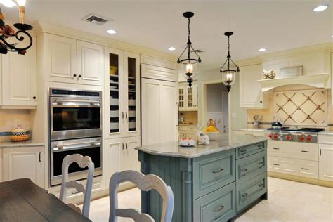kellys country kitchen country kitchens hgtv 2079