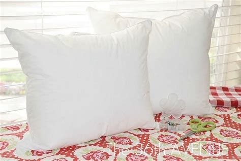How To Make Throw Pillows For Cheap! Use Old Pillow And