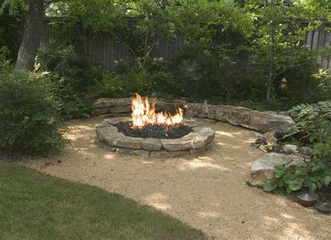 feuerstelle mit sitzgelegenheit wie k 246 nnen sie eine feuerstelle bauen 60 fotobeispiele