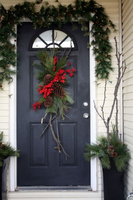 how to decorate a christmas door 38 stunning christmas front door d 233 cor ideas digsdigs