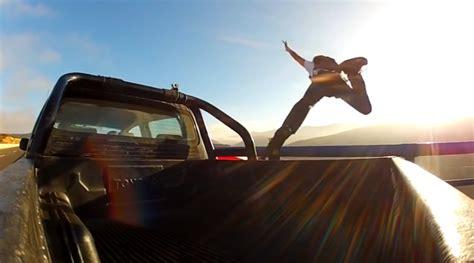 man jumps  moving car   arguing