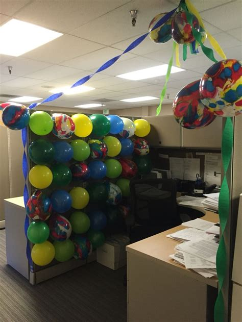 desk decorations for guys guys birthday cubicle cubicle birthday decor pinterest