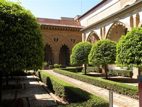Disfruta y descubre la ciudad de zaragoza y su entorno. Travel & Adventures: Zaragoza ( Saragossa ). A voyage to ...