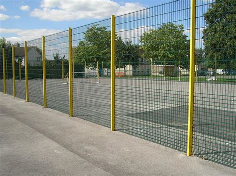 How To Install Wire Mesh Fencing