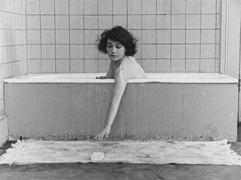 Bathtub Gifs WiffleGif