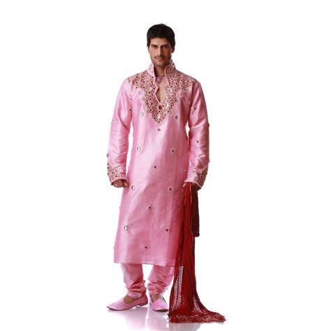 tenue indienne orientale rose