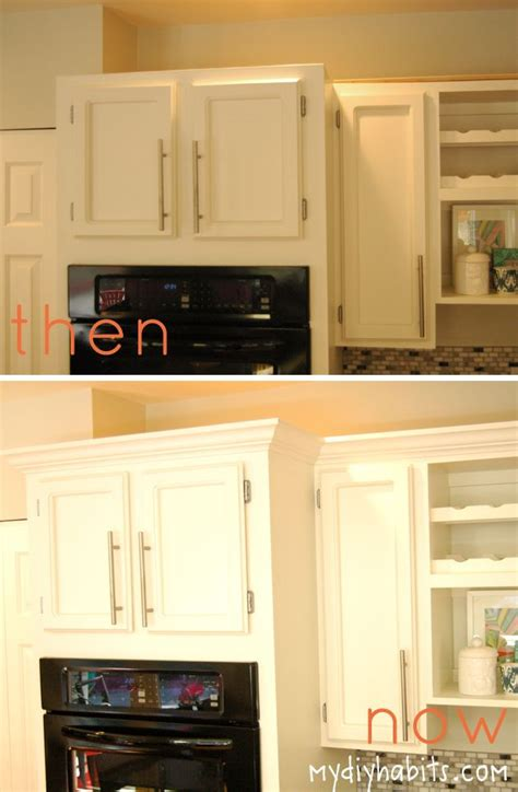 how to update kitchen cabinets with molding best 20 kitchen cabinet molding ideas on 9595