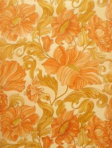 Seventies retro wallpaper with large floral design ...