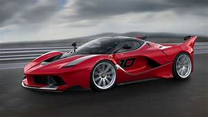 Coloriage voiture de course Ferrari à imprimer