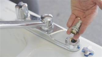 leaky kitchen sink faucet how to repair a kitchen two handle faucet