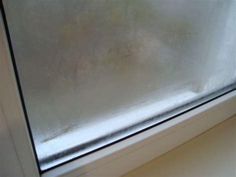 Борьба с конденсатом на пластиковых окнах