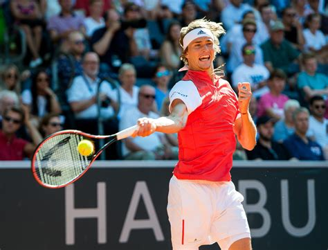 """The spaniard likes playing drop shots, and has also brought the. """"Erst der Anfang"""": Alexander Zverev bei starker Hamburg ..."""