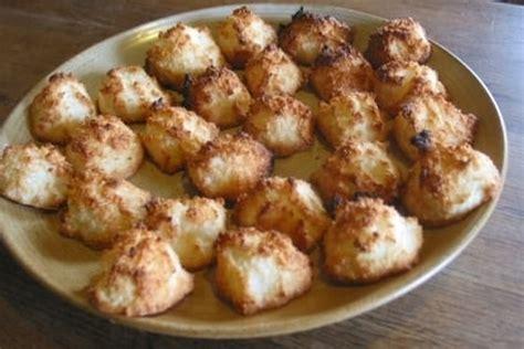 cuisiner des blancs d oeufs recette de rochers à la noix de coco la recette facile