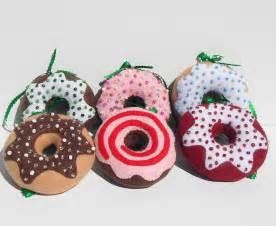 handmade christmas felt donut ornaments by quiltshenanigans