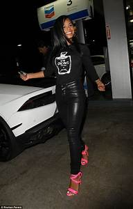 Lil Wayne39s Boo Christina Milian Steps Out In Style In Her