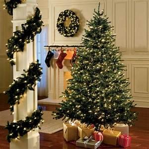 Luci natalizie: idee per decorare la casa illuminandola