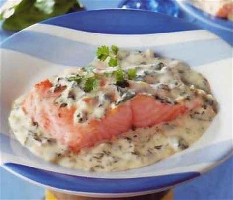 cuisiner oseille recette saumon à l 39 oseille notée 4 5