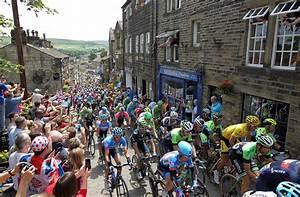 The Grand Tour En Francais : vincenzo nibali goes in for kiss after tour de france stage two victory spectacularly denied ~ Medecine-chirurgie-esthetiques.com Avis de Voitures