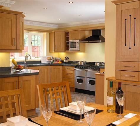 light oak shaker kitchen 01 oak shaker kitchens