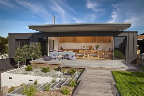 architecture bureau screened by pohutukawa house is designed for laid back