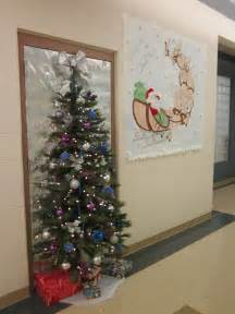 grinch door decorating contest memes