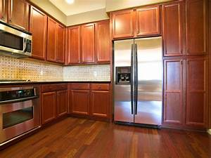 Oak Kitchen Cabinets  Pictures  Ideas  U0026 Tips From Hgtv