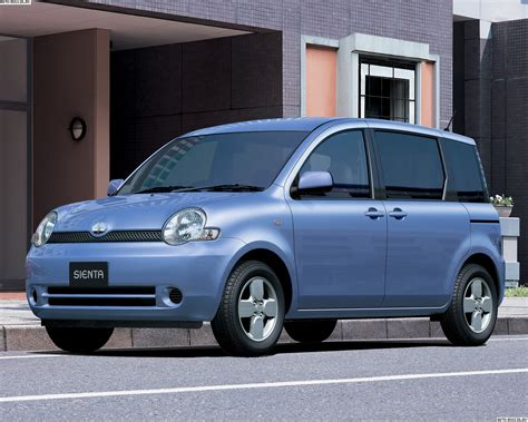Toyota Sienta Backgrounds by Toyota Sienta цена технические характеристики фото