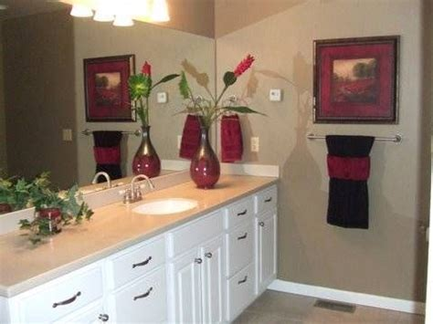 Inexpensive Bathroom Decorating Ideas by 31 Best Bath Towel Display Images On Bathroom