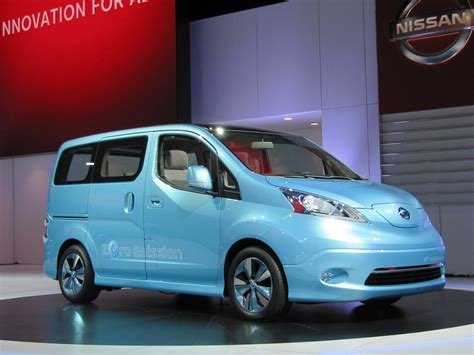 nissan  nv  concept electric van detroit auto show video