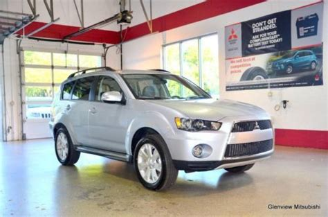 Mitsubishi Glenview by Find Used 2013 Mitsubishi Outlander Se In Glenview