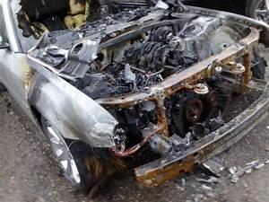 2005 Chrysler 300c Engine Compartment Fire  1 Complaints