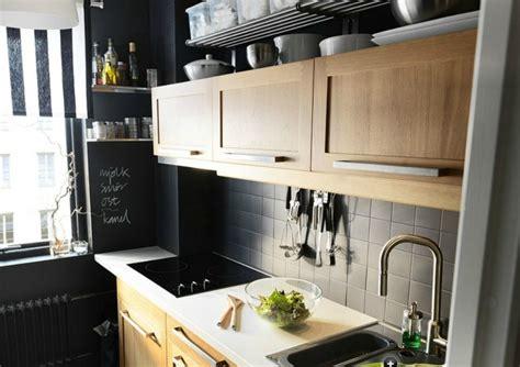 mur noir cuisine carrelage gris mural et de sol 55 idées intérieur et extérieur