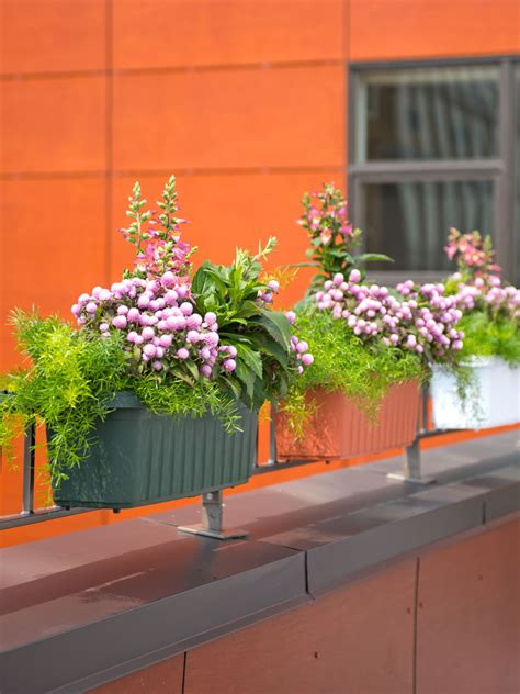 Banister Planters by Railing Planters 24 Quot Accommodate 1 Quot To 4 25 Quot Thick Deck