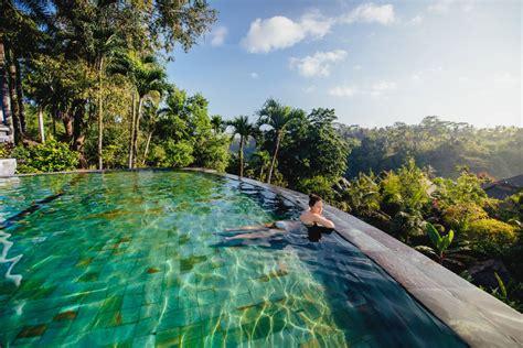 vila romantis  bali  kolam renang pribadi cocok