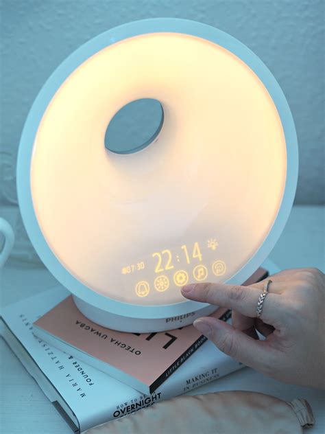 somneo sleep and wake up light sleep well and wake up refreshed with the new philips