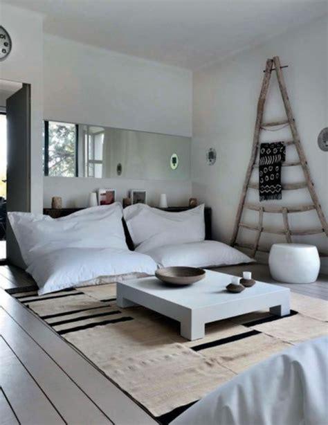 coussin deco canape gros coussin pour canapé en palette deco intérieure