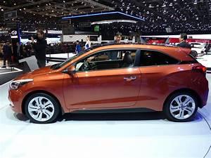 Hyundai I20 Blanche : hyundai i20 coup un go t de trop peu en direct du salon de gen ve 2015 ~ Gottalentnigeria.com Avis de Voitures