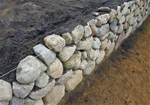 Holz Im Boden Befestigen : trockenmauer selber bauen anlegen und bepflanzen ~ Lizthompson.info Haus und Dekorationen