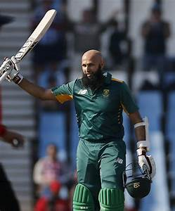 Amla ton helps South Africa beat New Zealand