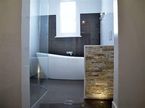 freestanding bath feature wall floor lighting