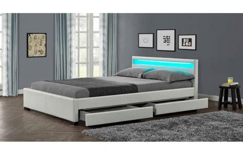 chambre gain de place lit design en simili cuir blanc 160 cm avec bande led et 4