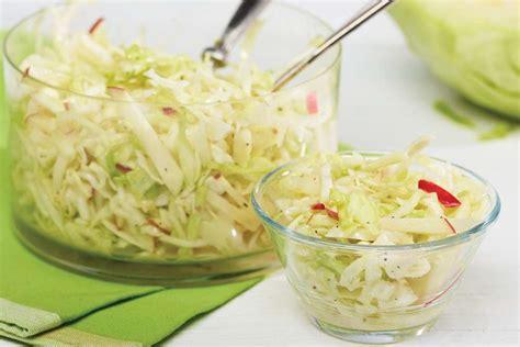 cuisiner le chou salade de chou aux pommes recette facile fondation olo