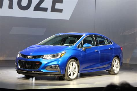 2016 Chevrolet Cruze Sedan Unveiled; 40mpg Highway Rating