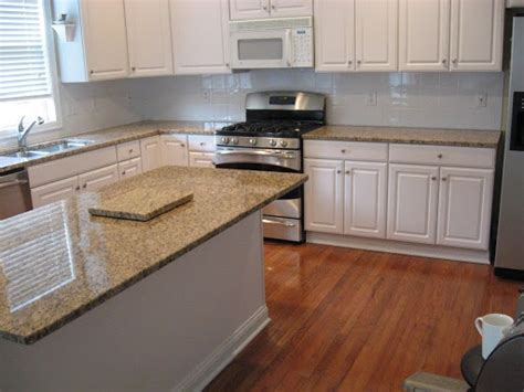 santa cecilia granite with white cabinets santa cecilia light granite img 0341 jpg santa cecilia